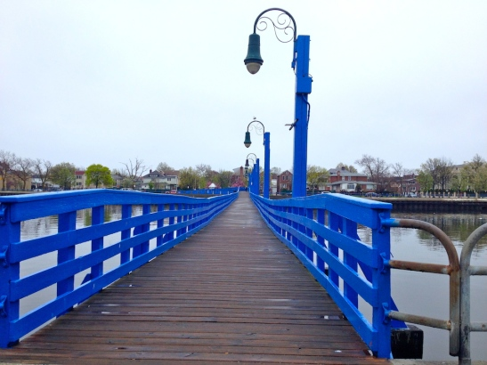 sheepshead-bay-brooklyn-neighborhood-footbridge
