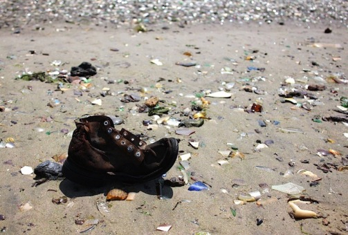 beach pollution.jpg
