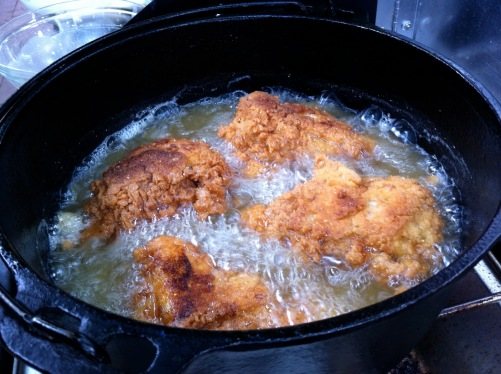 FRIED CHICKEN DUTCH OVEN