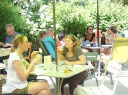 Outdoor dining at Brooklyn Bridge Park.