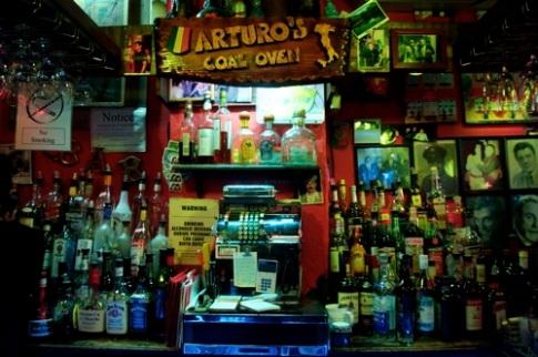 Arturos bar.