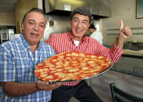 joe-and-pats-pizzeria-4a3ca8f7645fe7aa