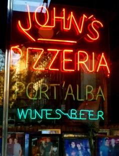 John's_Pizzeria