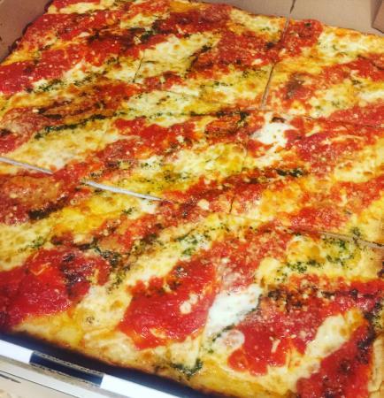 pizza nino's grandma