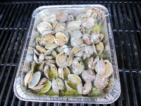 grilling clams.JPG
